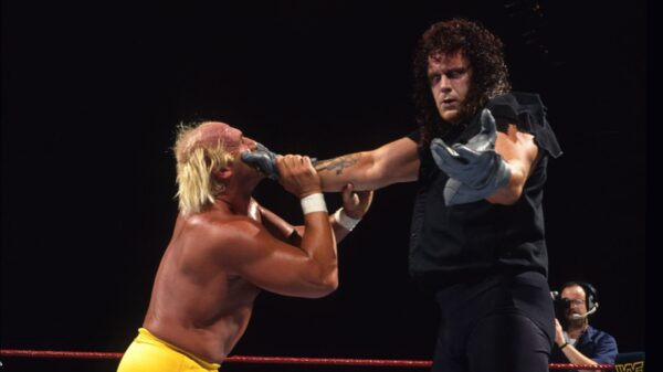 Greatest Survivor Series Matches: The Undertaker Vs. Hulk Hogan