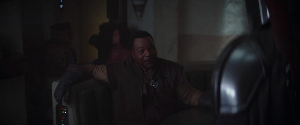 Carl Weathers as Greef Karga greeting the Mandalorian.