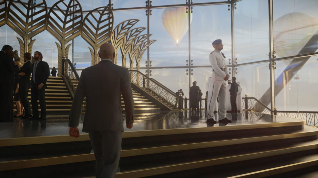 Agent 47 walks his way through a crowded area in Dubai