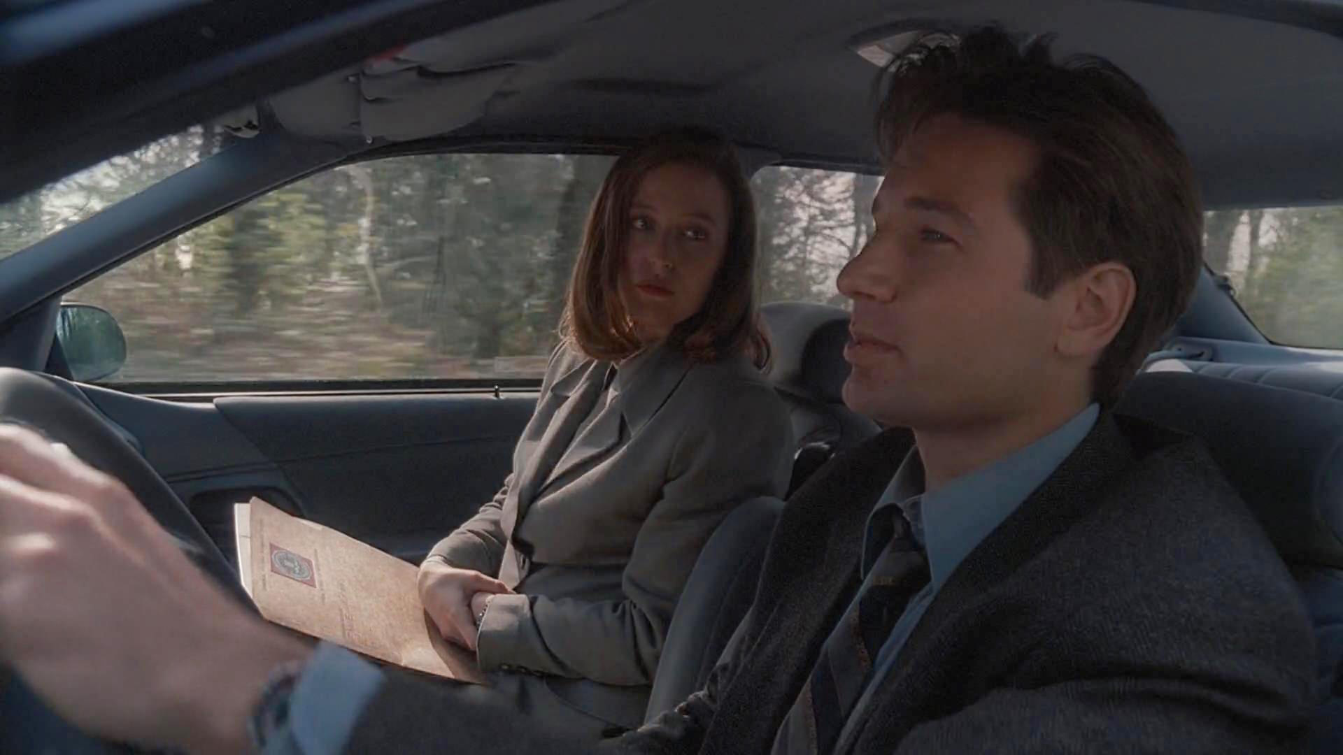 The X-Files Pilot Review