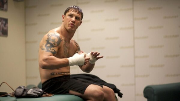 Warrior 2011 movie review with Tom Hardy