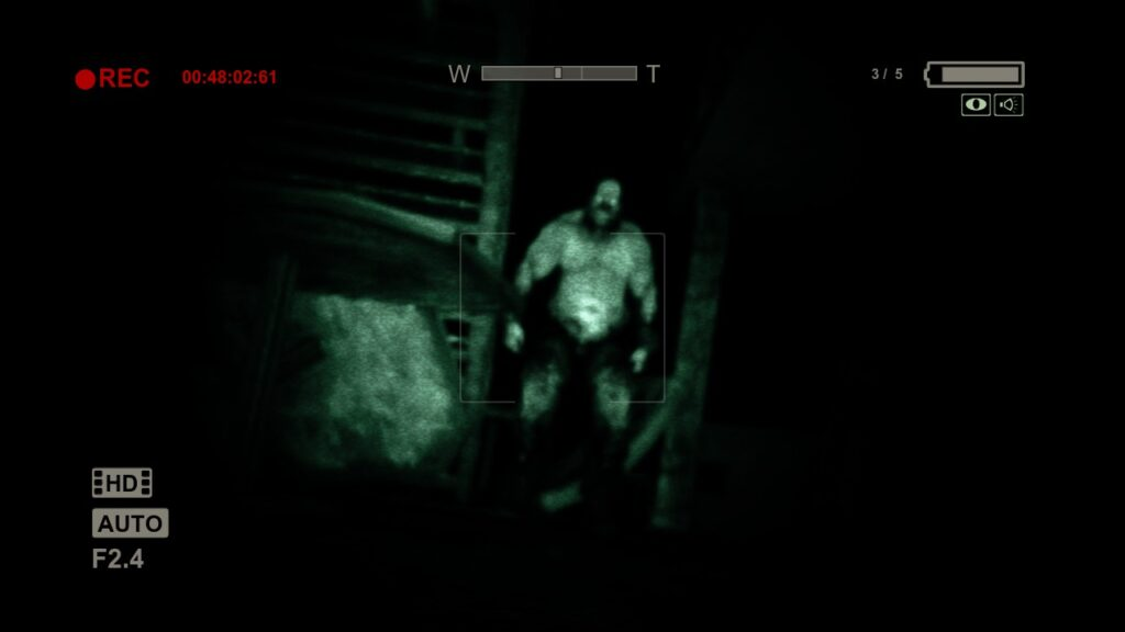 Outlast: the horror of a disfigured mutant on the hunt play